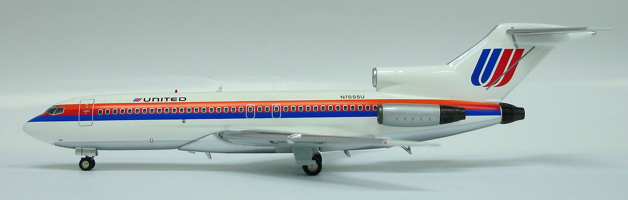 "B727-022 United Airlines ""1980s - Saul Bass"""