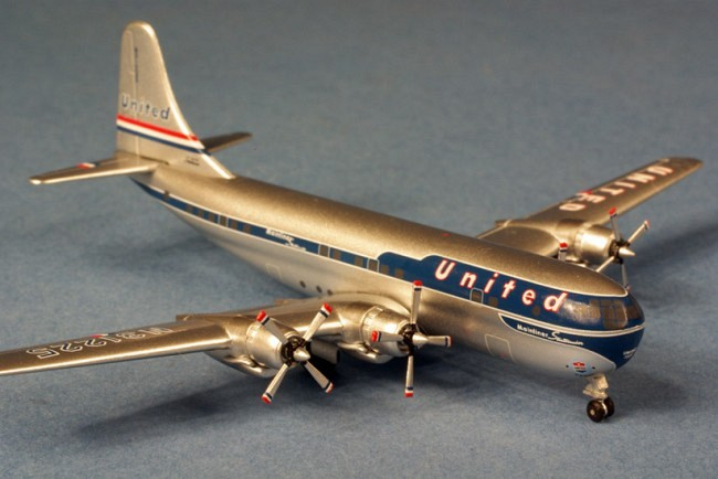B377-10-24 Stratocruiser United Airlines
